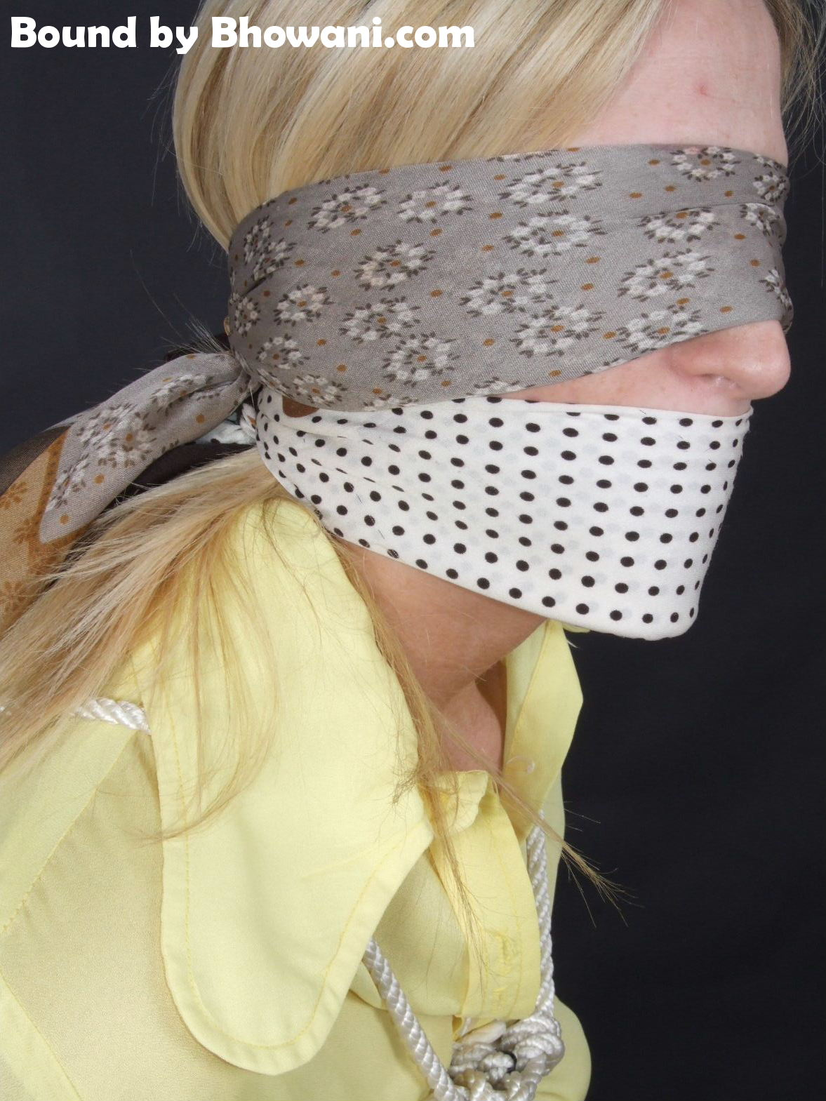 70s Collar Girl 3