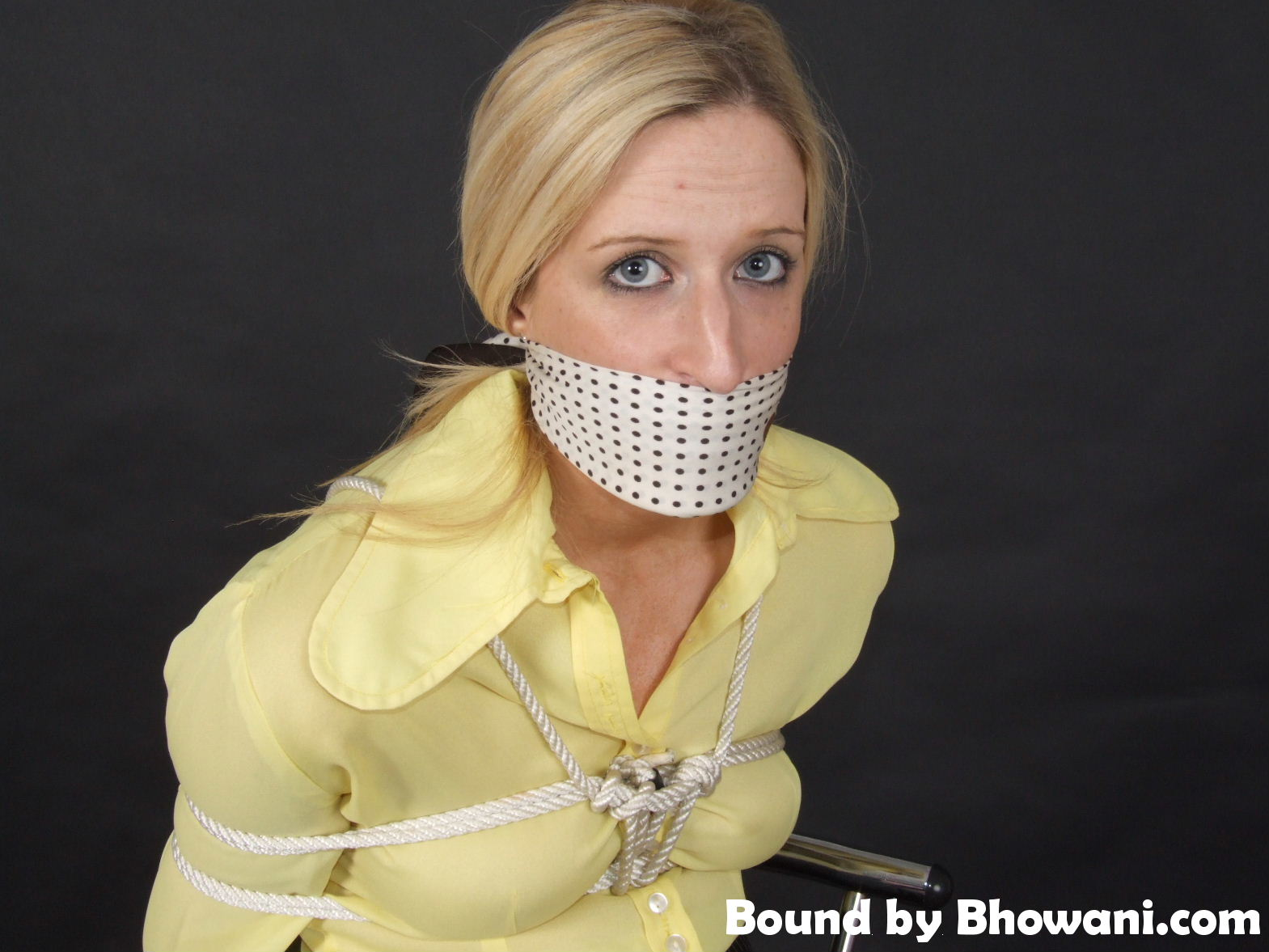 70s Collar Girl 2