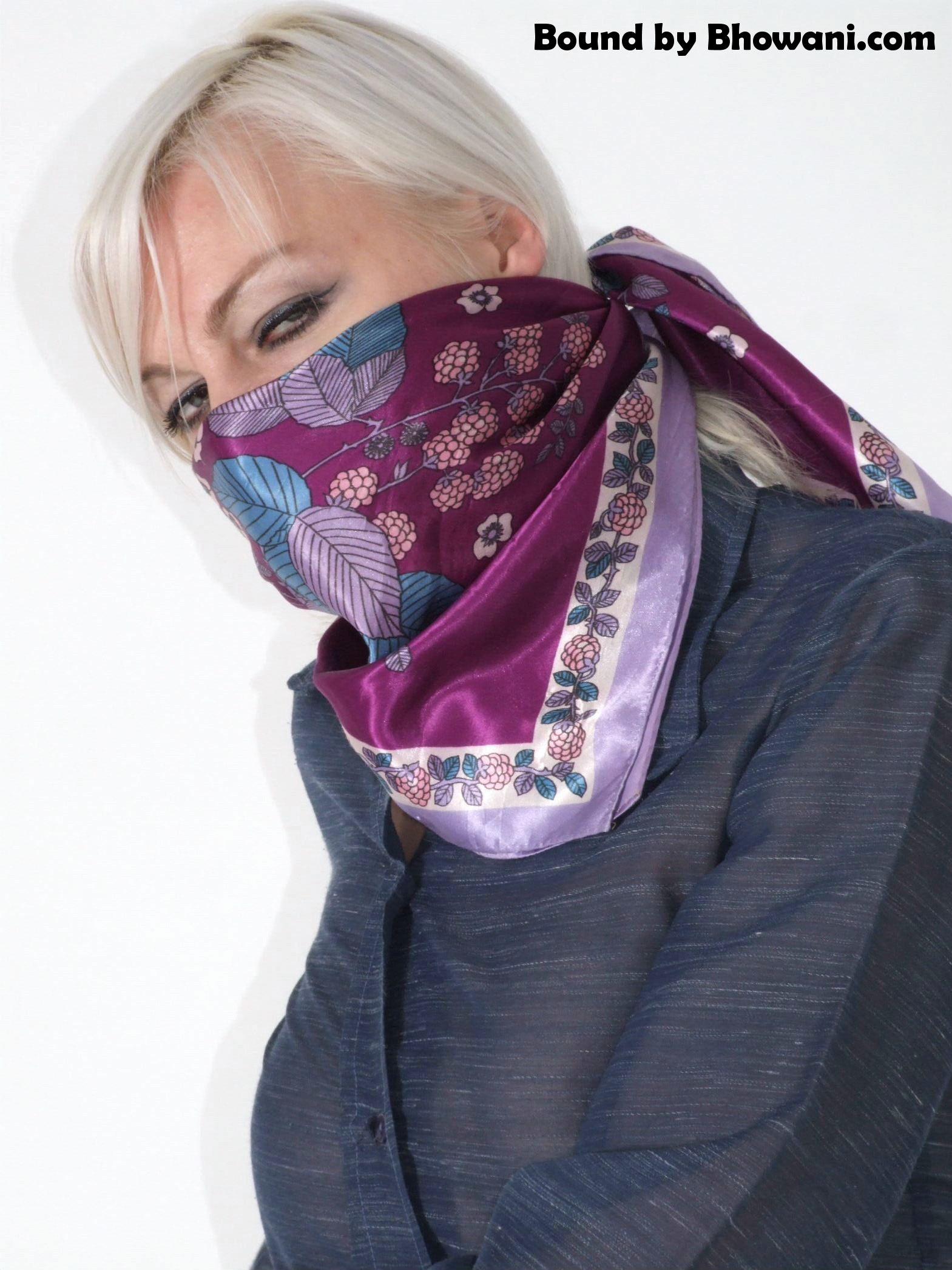 Silk Masked Simone