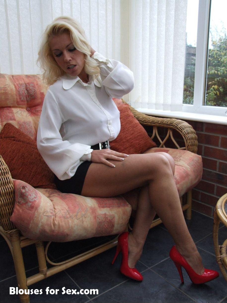 Leggy Lana's 70s Blouse
