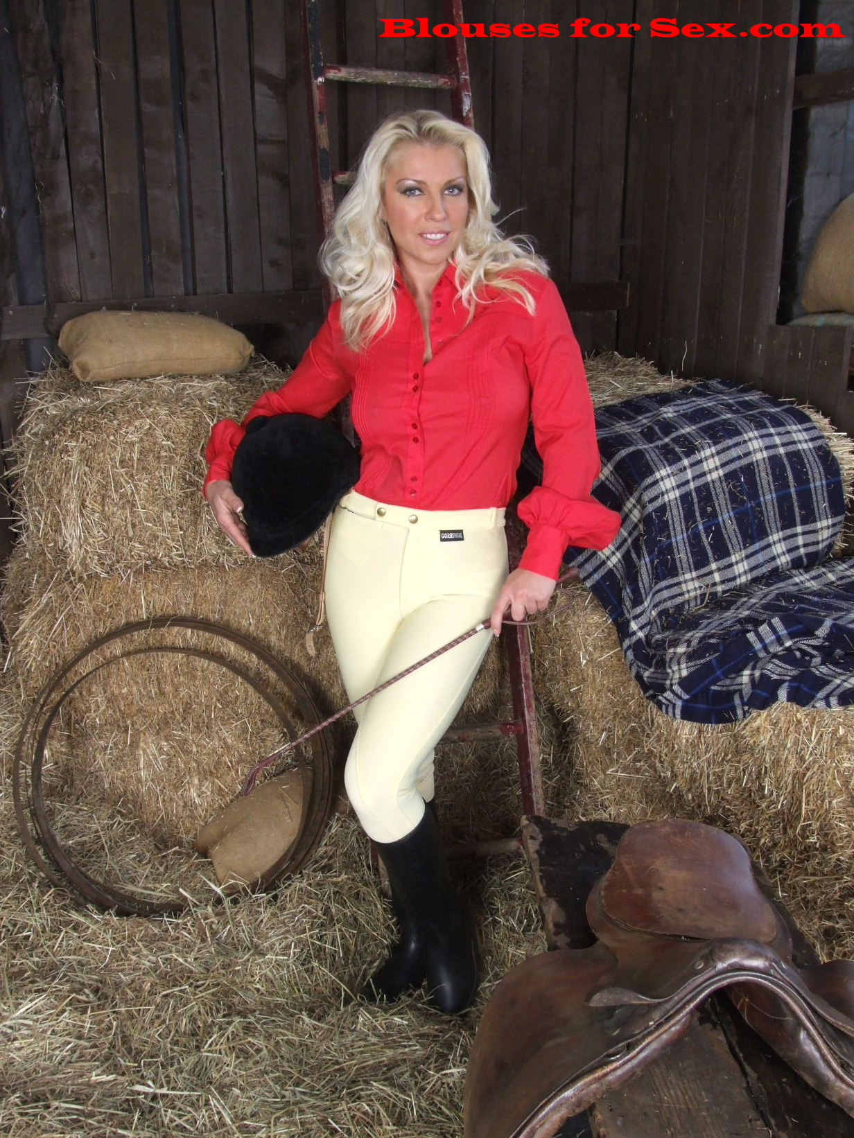 Blouse Feature: Equestriennes in Blouses